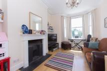 Westcroft Square Flat to rent