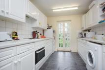 4 bed Terraced home in Sterne Street, W12
