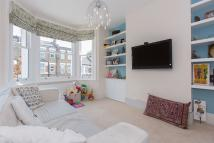 3 bedroom Flat to rent in Bollo Bridge Road, W3