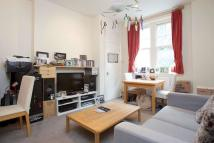 Flat to rent in Cromwell Avenue, W6