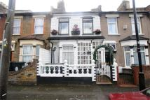 Terraced property to rent in Gloucester Road...