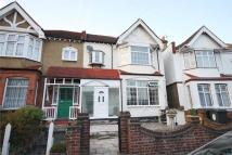 4 bedroom semi detached house to rent in Chingford Avenue, LONDON