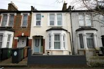 1 bed Flat to rent in Callis Road, LONDON