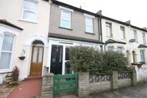 2 bed Terraced property in Rosebank Road...