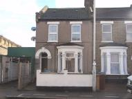 Flat in Cann Hall Road...