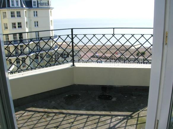 balcony/roof terrace