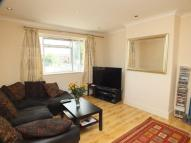 Flat to rent in Selbie Avenue...
