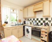 Flat to rent in Oaklands Court...