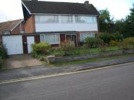 3 bedroom property to rent in Hunts Road...