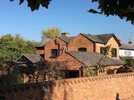 5 bedroom Detached home in Warwick Road...