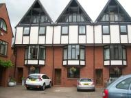 Town House to rent in Ely Street...