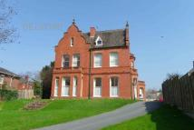 Flat to rent in 65 Battenhall Road...