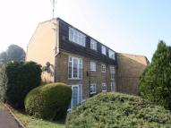 2 bedroom Ground Flat to rent in Crofton Way, Enfield...