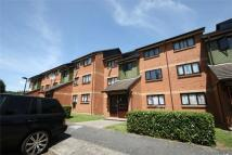 Flat to rent in Linwood Crescent...