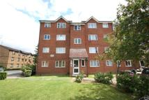 Apartment to rent in Linnets Close, Edmonton...