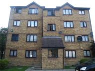 Apartment to rent in Gartons Close, Enfield...