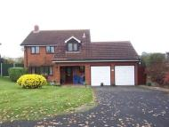 Detached home in 25 Rothley Close...