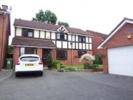 Detached property in 6 Redfield, Herongate...