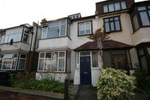 Flat to rent in Grayham Road, New Malden
