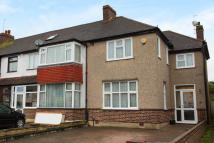 3 bed property for sale in Bramshaw Rise, New Malden
