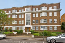 Flat for sale in Wimbledon Close...