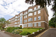 4 bed Flat for sale in Wimbledon Close...