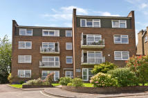 2 bedroom Flat in Hayes Court, Sunnyside...