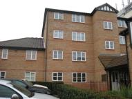 Flat to rent in Romford