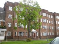 Flat to rent in Gidea Park