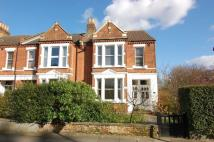 2 bedroom Flat in Trinity Road, Wimbledon