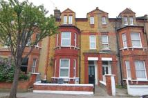 Flat to rent in Mexfield Road...