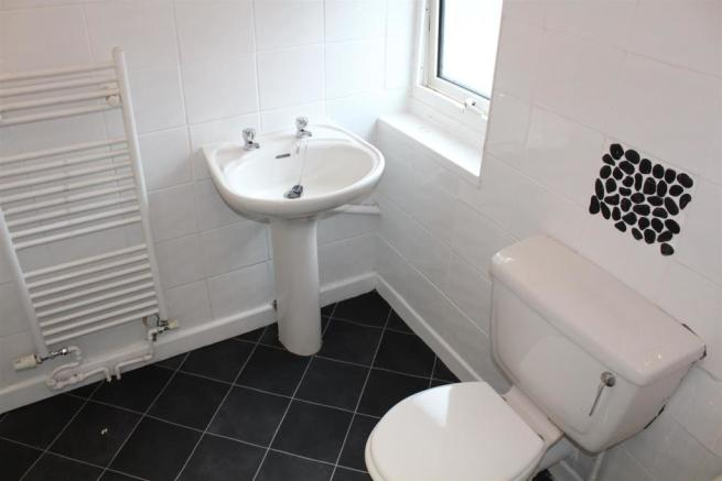 bathroom x 2.jpg