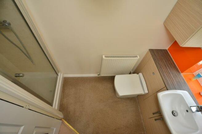 en suite bed 2.jpg