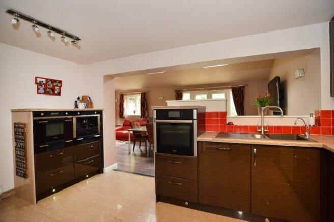 kitchen x 4.jpg