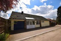 Detached Bungalow in One House Lane, Ipswich