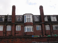 2 bed Flat to rent in Bromley Road, Bromley...