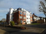 Ground Flat to rent in Overbury Avenue...