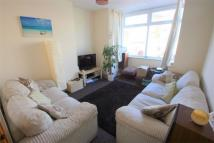Flat to rent in St Johns Lane...