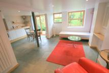 Maisonette to rent in Greville Road...