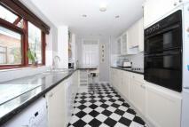 3 bedroom semi detached property to rent in Truss Hill Road, Ascot...