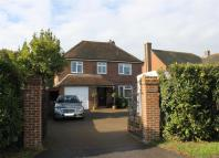 Detached property in Chiddingly Road, Horam
