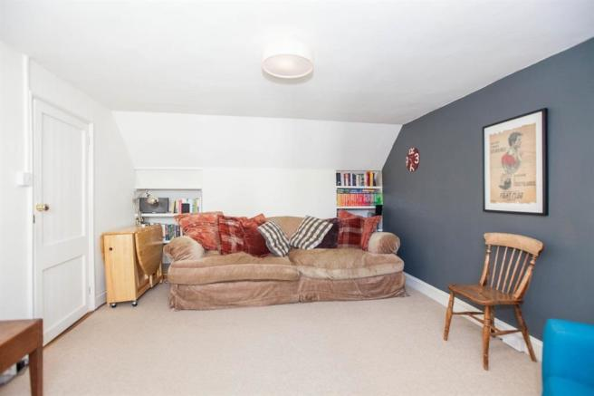Living room 2 20016.