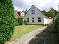 2 bedroom Detached property to rent in Warren Road, Woodley...