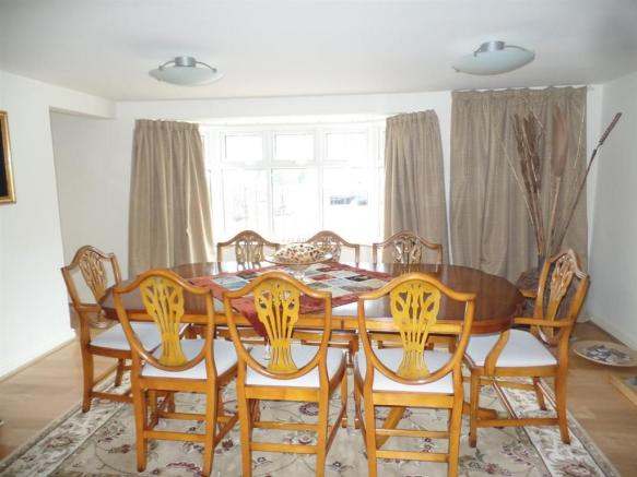 Spaciously Preportioned Dining Room
