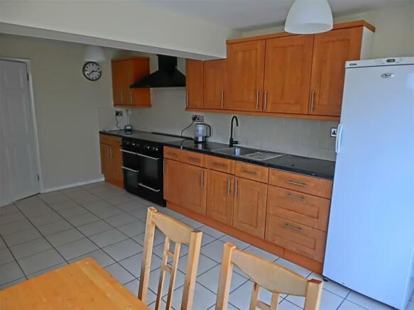 L-Shaped Kitchen/Fam