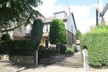 2 bedroom Apartment in THE DRIVE, ROUNDHAY...