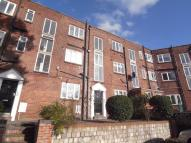 Flat in THORN LANE, OAKWOOD...