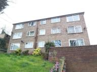 2 bed Flat in GLEDHOW WOOD COURT...