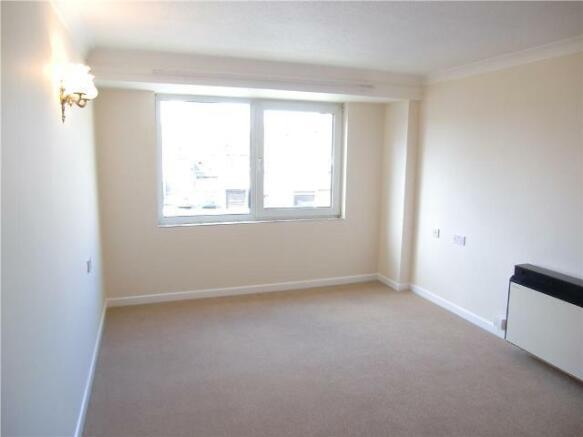 1 Bedroom Apartment To Rent In Homefleet House Wellington Crescent Ramsgate Kent Ct11