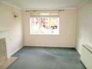 1 bed Apartment in Riverside Court Station...